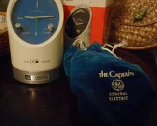GE The CAPTAIN AM travel Clock, Pouch, Box