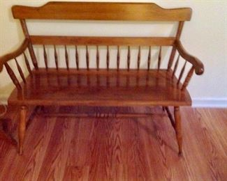 Wood Bench in very good condition