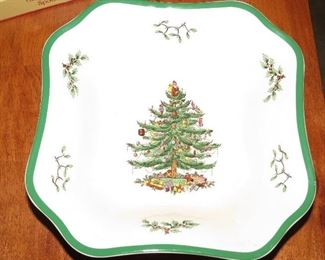 ENGLISH SPODE CHRISTMAS TREE CHINA.  OVER 100 PIECES, MANY STILL IN BOXES.  SEE LIST UNDER DETAILS.