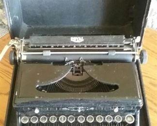 Antique Typewriter, Manual