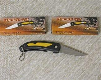 2 Pocket Knives