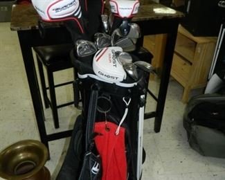 Nearly new set of golf clubs