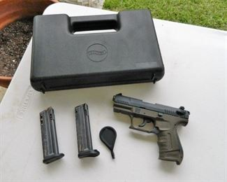 Walther P22 w/case