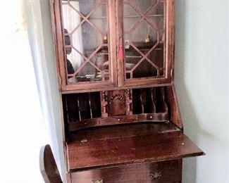 Governor Winthrop secretary desk excellent condition