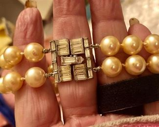 Gorgeous rhinestone and pearls set bracelet and necklace