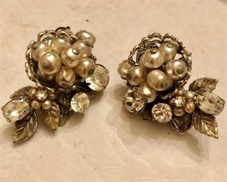 Beautiful earrings by Robert