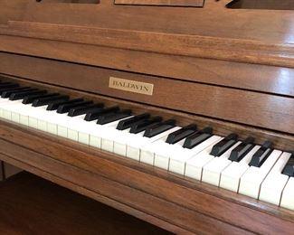 BALDWIN PIANO - SERIAL NUMBER 102786
