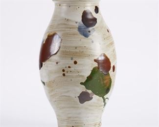 Warren MacKenzie (1924-2018). Studio pottery ceramic vase. Glazed stoneware. Marked along the footrim. Warren MacKenzie was a renowned Minnesota studio potter. A student of Bernard Leach and Shoji Hamada, he is credited with bringing the functional Mingei tradition to the United States, and spreading it through his own art and mentorship of students during his long tenure at the University of Minnesota. Note: Lots 1-19 were purchased by a single collector from MacKenzie's showroom between 1989-2000 SKU: 01386 Follow us on Instagram: @revereauctions