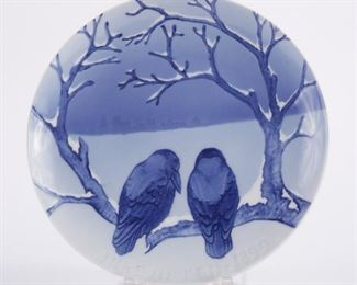 Bing and Grondahl, Denmark. Blue and white porcelain Christmas Eve (Jule Aften) plate for 1899.  SKU: 01354 Follow us on Instagram: @revereauctions