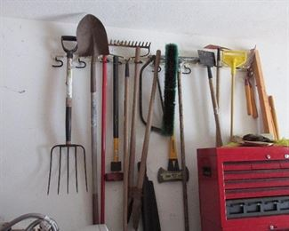 Lots of Tools in this garage!