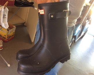 Rubber work boots-new!