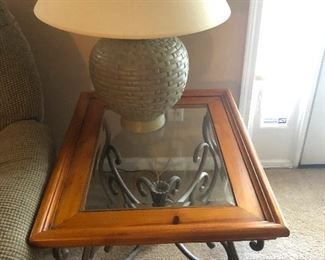 glass top end table with pregnant lamp