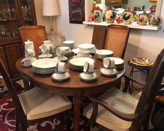dining room set with leaf