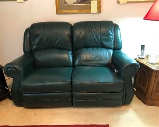 Lay-Z-Boy leather recliner loveseat in PERFECT condition!