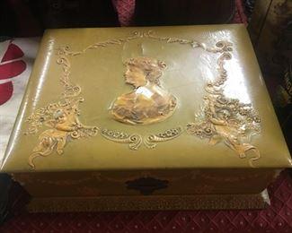 Victorian Dresser Box