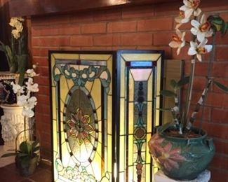 Illuminated stained glass fire screen
