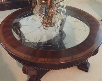 Large round glass coffee table, very good condition.