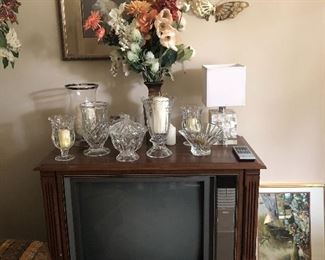 Vintage TV, lot sof crystal and cut glass