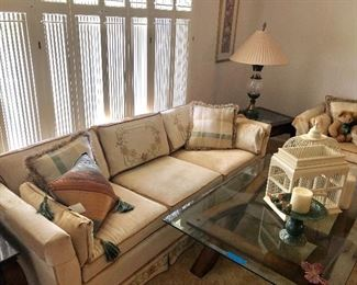 Vintage sitting room couch and loveseat