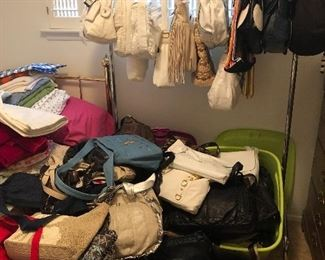 Tons of handbags some NWT