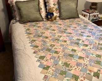 Beautiful quilt w/ matching shams, queen sz mattress and bed, mission style