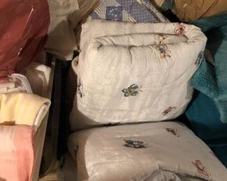 More quilts w/ shams, all newer, clean