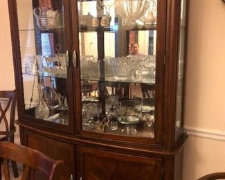 china cabinet! Lots o' crystal inside!