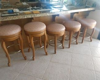 Very nice solid oak wood stools! 2 bar height, 3 counter height!