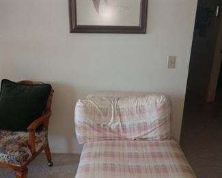 Does your daughter need a comfy pink plaid chaise in her room to read her favorite book!?!?!