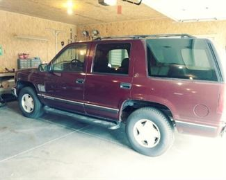1999 Chevy Tahoe, 155K, new tires