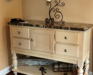 Country Style Buffet/Server