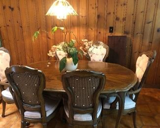 Drexel Heritage dining table and chairs, leaf