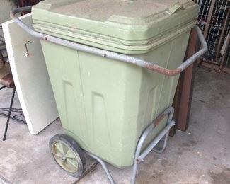 Aluminum trash can dolly