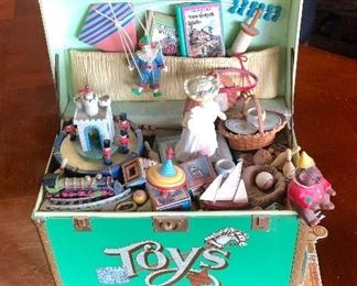 c.1981 Musical Toy Chest with Moving Pieces