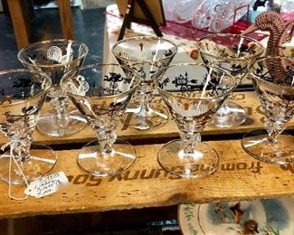 Mid Century Modern Adorable LIBBEY GLASS CO., Set of 7 Etched Cordials