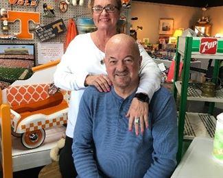 DON SHARP & LISA DAVIS (Owners)