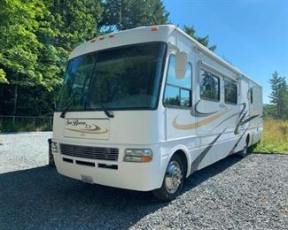 2004 National Seabreeze LX 37' RV on a Workhorse Chassis 29k Miles Clean Title Three Slideouts 8.1 Gas Engine Starts Beautifully  New Tires New Battery No Generator Included   Call or Text Ryan for Preview: 253-254-1104