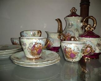 And we have several tea sets