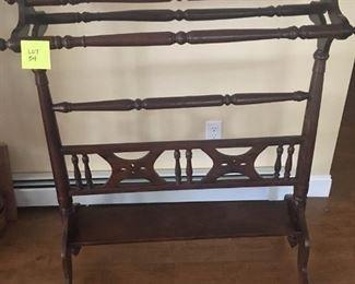 Quilt rack    https://ctbids.com/#!/description/share/191711