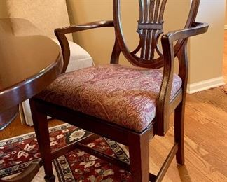 2 arm chairs and 4 side chairs -excellent condition