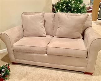 Cream color love seat in great condition