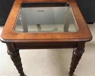 Glass top and wood end table https://ctbids.com/#!/description/share/189843
