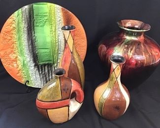 Glass and ceramic vases and plate https://ctbids.com/#!/description/share/189855