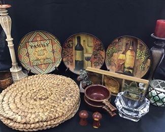 Decorative plates and decor  https://ctbids.com/#!/description/share/189859