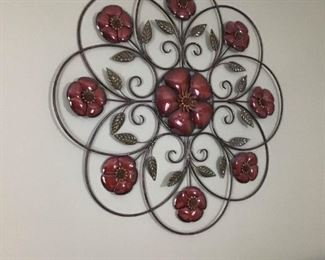 Metal wall decorations https://ctbids.com/#!/description/share/189867