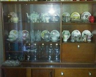 Contemp China cabinet