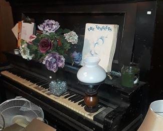 Antique piano , repurpose project.