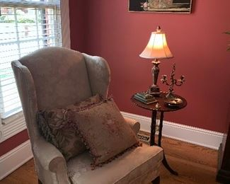 2 wingback chairs in perfect condition