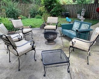 Outdoor wrought iron set with five chairs and end table