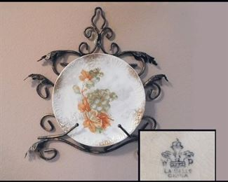 bob LaBelle Wheeling Grape Pattern China Plate with Wall Display